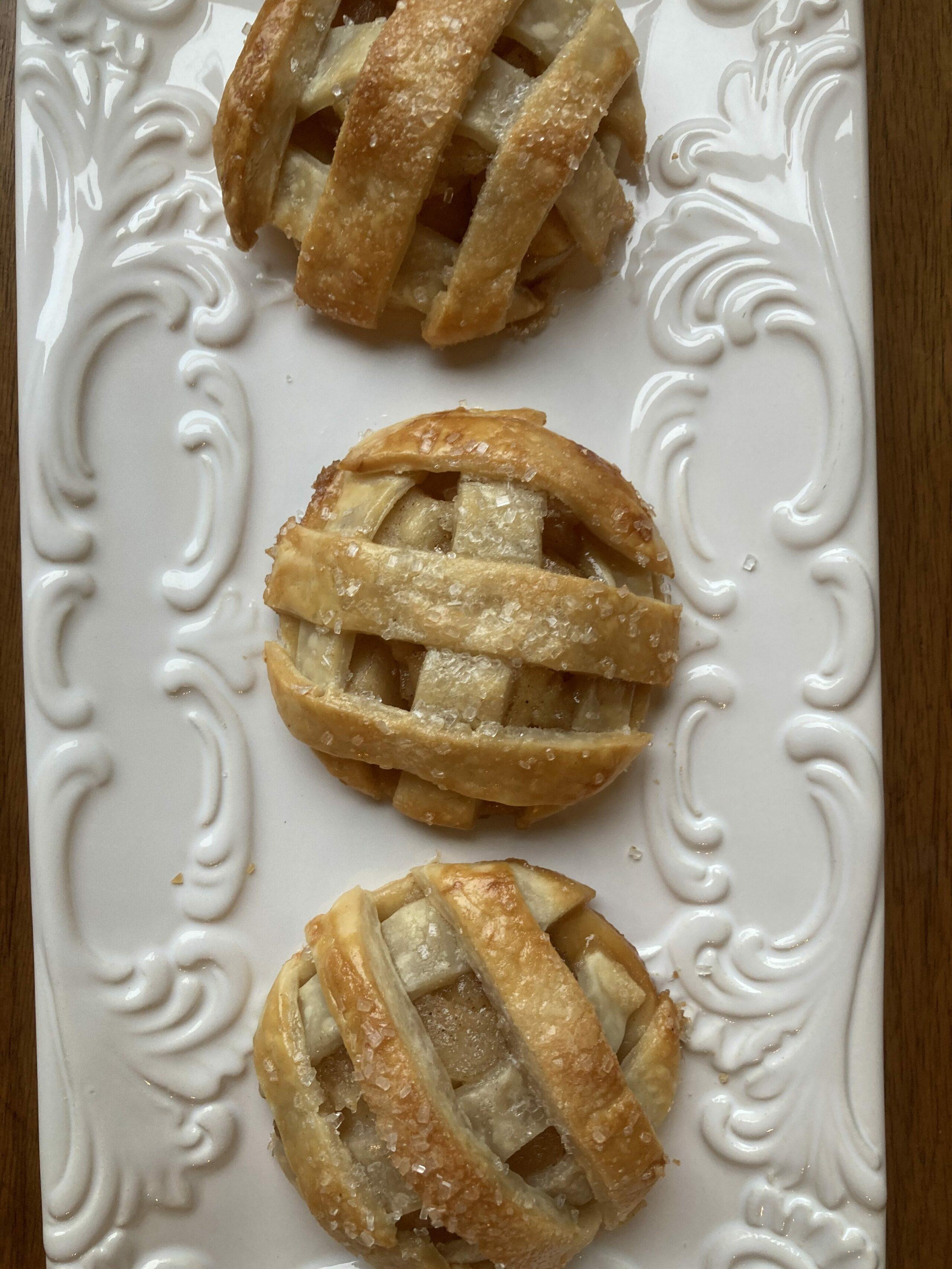 3 apple pie cookies