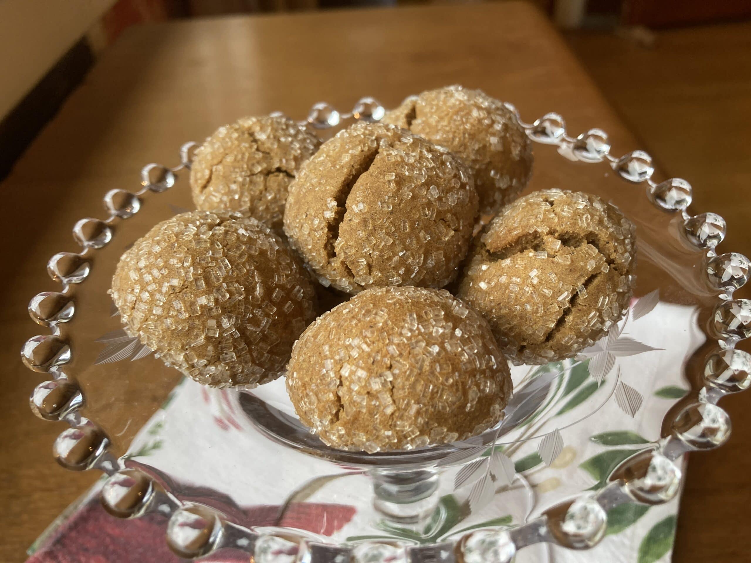 round cookies sprinkled with sugar